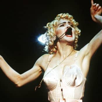 """Madonna-fani Erika Haavisto: """"En ole koskaan unelmoinut pääseväni naimisiin vaan, että tapaisin Madonnan"""""""