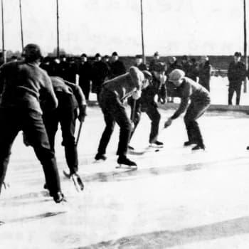 Hockeyn saapuminen Suomeen ja vuosikymmenet ulkojäillä