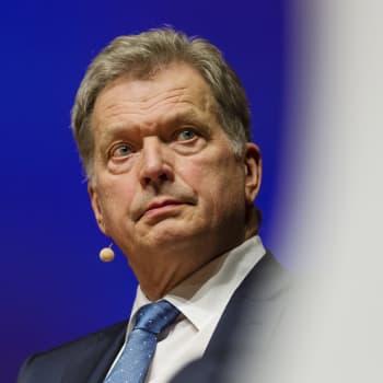 Tasavallan presidentti Sauli Niinistö tapaa mediaa Mäntyniemessä