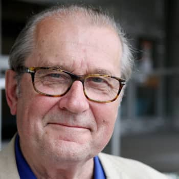 Seksistä ei kannata puhua julkisesti - vieraana professori Panu Rajala