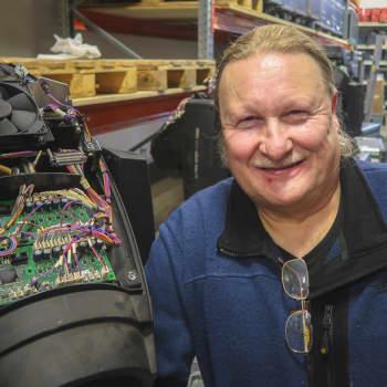 Sunnuntaivieras: Insinööri, joka kuuli keikkabussin kutsun
