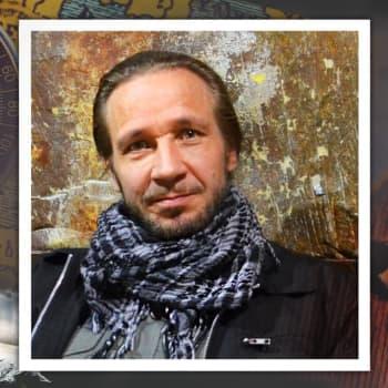 """Muusikko Jarkko Martikainen: """"Toivo on hyvin samantyyppinen sama asia kuin usko ja rakkaus"""""""