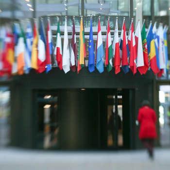 Maailmanpolitiikan arkipäivää: Unohtiko EU yhdentymisen häviäjät?