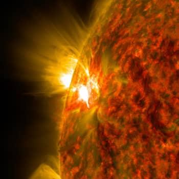 Tiedeykkönen: Aurinko on monimutkainen hiukkaskattila - Venus ja Jupiter loistavat tähtitaivaalla