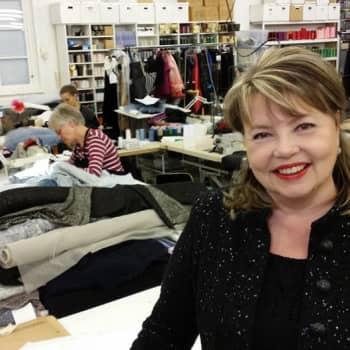 Sunnuntaivieras: Muotisuunnittelija Jaana Varkki-Terho pukee Linnan juhlien kaunottaret