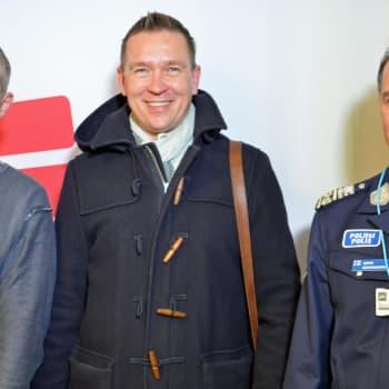 Roman Schatzin Maamme-kirja: Miksi suomalainen luottaa poliisiin?