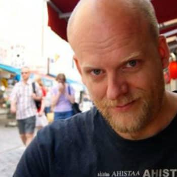 Tienviittoja: Kielitieteilijä Janne Saarikivi