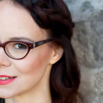 Kirjakerho: Natsileski Lina Mannisen uskomaton elämä