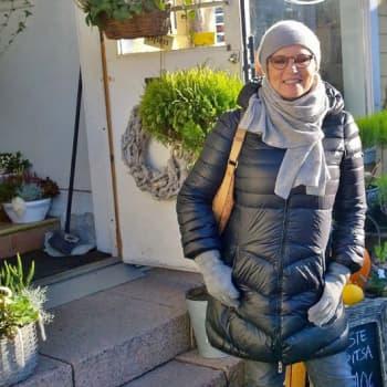 Sunnuntaikävelyllä: Katri Helena