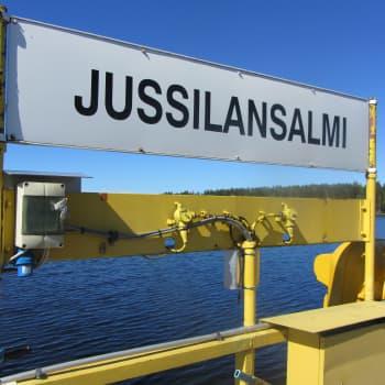 Jänkäsalo, Taipalsaari: Lossikuski, itsepalvelukioski,sähkötarinoita, metsästysmajatalkoot