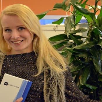 Yövieras: Maaginen Noora Karma