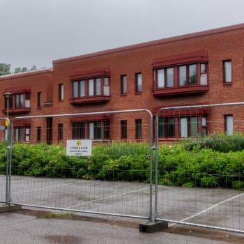 Projektingenjör Tony Lökfors om rivandet av byggnader som hört till äldreboendet i Ebbo
