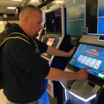 Rahapeliautomaateilla kolikot kilisevät jälleen - mutta kaivattiinko niitä?