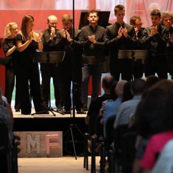 Mozartin Pariisilainen sinfonia Verbier'ssä sekä Reichin taputusmusiikkia Ampostassa