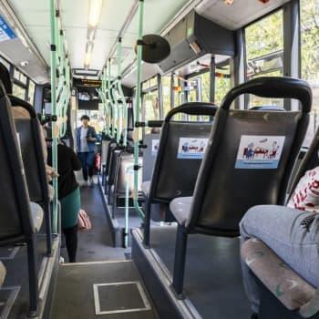 Syksyn ostoliikenteen käynnistyminen tuo pientä helpotusta bussifirmoille