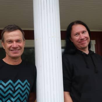"""Lappträsks mörka sidor med Kjell och Ove Simosas: """"Bola-bisin är en sengångare i Lindkoski"""""""