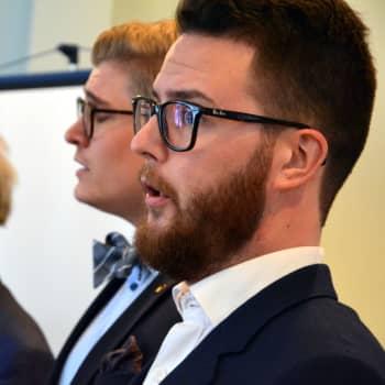 """""""Omställning att inse att körsång kan vara riskfyllt för hälsan"""" – Svenskfinlands körer förbereder sig för en annorlunda höst"""