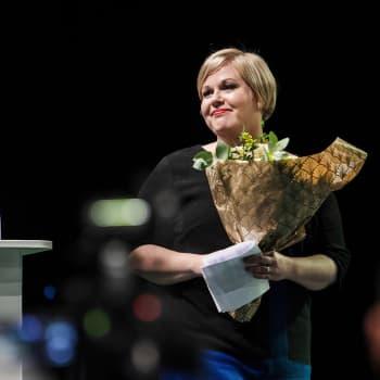 """Annika Saarikko:""""En halua pakotettua yhtenäisyyttä"""" - Keskustassa saa riidellä, kunhan isoissa kysymyksissä pidetään yhtä"""