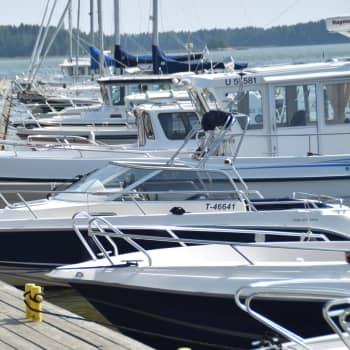 Problemen med havstulpaner på båten kan också skötas miljövänligt