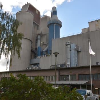 Cementfabriken Finnsementti i Pargas fick pris för årets miljögärning på miljömässan i Pargas