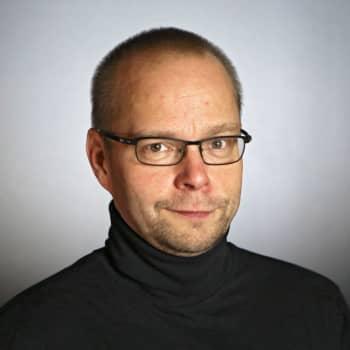 Roope Lipasti: Lempeät silmälasit auttaa ymmärtämään maailmaa paremmin