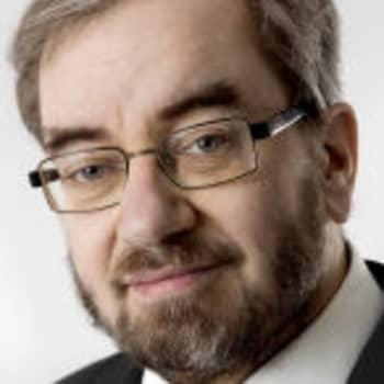 Kuusi kuvaa professori Jaakko Hämeen-Anttilan elämästä