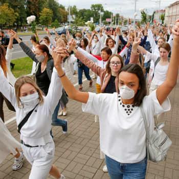 Valko-Venäjän kansa nousi diktaattoria vastaan