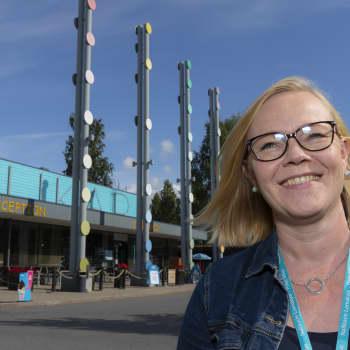 Oulun Nallikari Seaside -lomakylän toimitusjohtaja SIrpa Walter kertoo norjalaisten kertoo norjalaisten tulevan yhä uudelleen