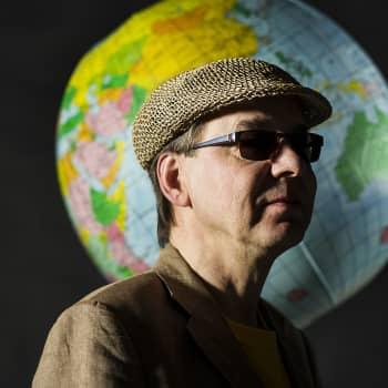 Etno-undergroundia intialaisittain bluesministeri Esa Kuloniemen johdattamana