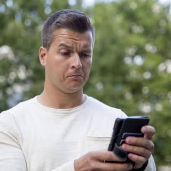 Ymmärtääkö Siri savoa? Säätietojen ja NHL-tulosten kysyminen äityy väittelyksi