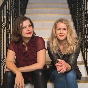 """Norrena & Frantz: """"Vänsterprasslet gjorde vårt sexliv bättre"""" - publikens bekännelser i Relationspoddens biktbås"""