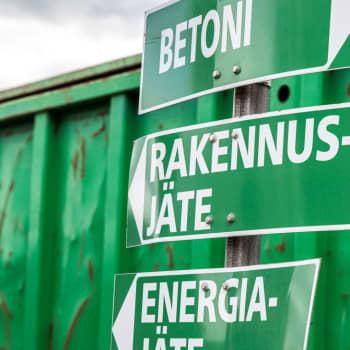 Jätekasapalot uhkaa kiertotalouden imagoa - Päijät-Hämeessä ei innostuta omasta kaatopaikkapalokunnasta