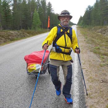 Kävelyllä Suomen halki- Paavo Martikainen