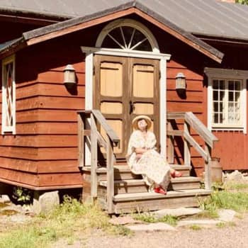 Sopraano Helena Juntunen ja Einojuhani Rautavaaran ooppera Aleksis Kivi