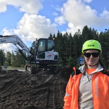 Grönanläggare i Lovisa om rondellens nya kläder: Det kunde ha blivit muttrar eller ett uppochnedvänt träd, men det blev havstema