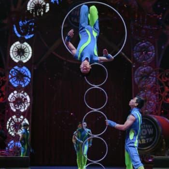 Villieläimet vähenee sirkuksissa - Orimattilassa esiinnytään hevosmaneesissa