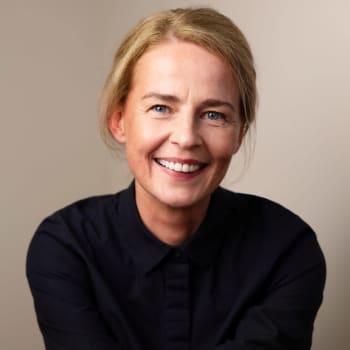 Österbotten, Island och New York är hemma för Elin Petersdottir