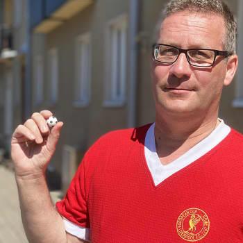 """Järjellä maailmaa tutkiva professori Vesa Vares suhtautuu jalkapalloon intohimolla – """"Rakkaudessa ei ole logiikkaa"""""""
