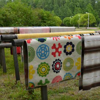Helle ajaa ihmisiä pesemään mattoja myös Kajaanissa