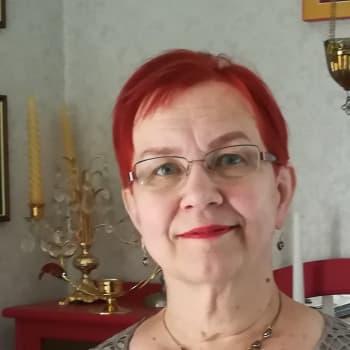 Nurmeksen kunnailla lehtii puu - musiikinopettaja Tarja Pussinen