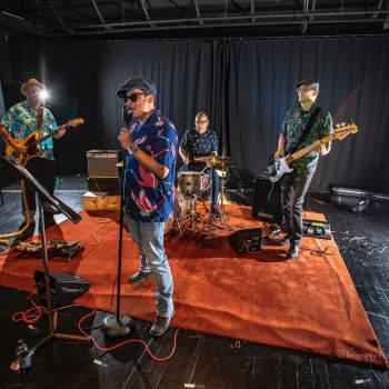 Seglar Jerrys Ånger är aktuella med två nya låtar - här berättar de mer om dem