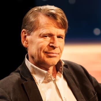 """""""Finländsk demokrati har vunnit"""" - människorättsprofessor Martin Scheinin nöjd att beredskapslagen tas ur bruk"""