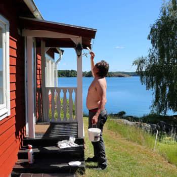 Till följd av de restriktioner som införts avråds folk från Sverige att åka till sommarstugan