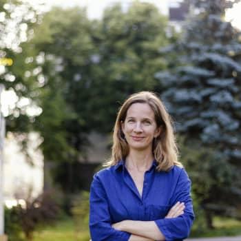 Kuusi kuvaa Katja Lindroosin elämästä