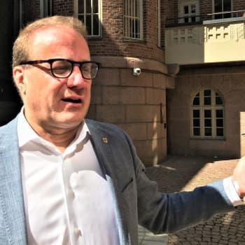 Lahden kaupunginjohtaja Pekka Timonen: Korona toi kuntatalouteen kaksoisongelman