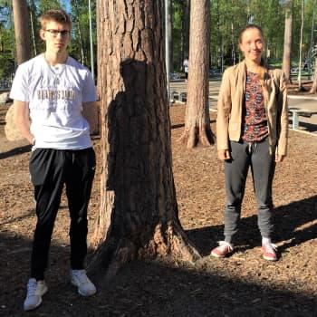 Saimi sai täydet pisteet äidinkielen kirjoituksista - Kasperi valmistui talonrakentajaksi ja pääsi heti töihin