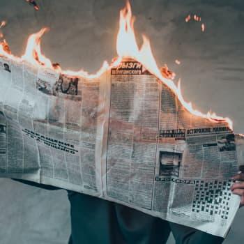 """Koronakriisin vaikutukset mediaan: """"Demokratiaa pitää tukea"""""""
