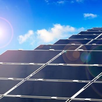 Aurinkopaneelien tehot lähestyvät maksimia