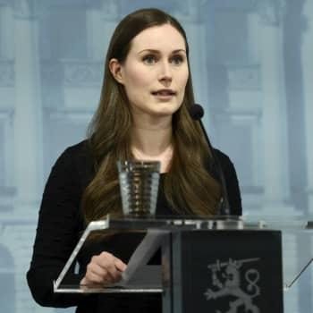 Statsminister Sanna Marin öppnar upp Finlands hybridstrategi