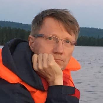 Materiaalia maailman täydeltä - säveltäjä Tapio Tuomela